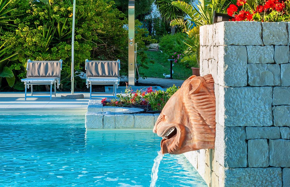 Hotel Marina di Ragusa - Pool and Bar